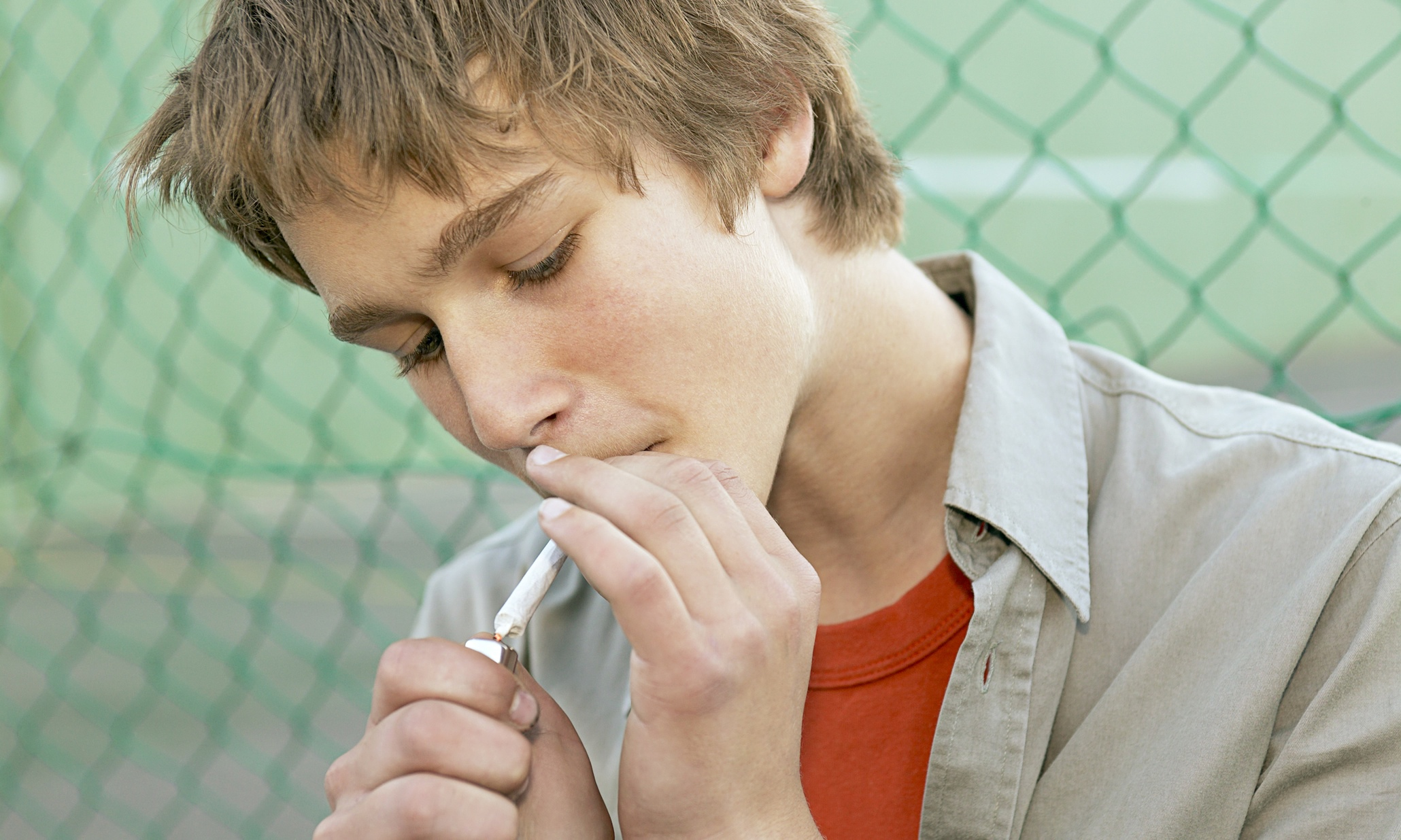 teen smoke If you are the parent, guardian or relative of a teen and you smoke, this may be  difficult to hear, but you are the biggest influence on whether your child smokes  or.